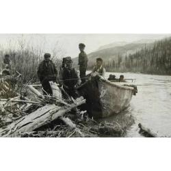 norman-wells-historical-society-moose-skin-canoe.JPG