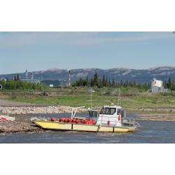 shore-mackenzie-river-norman-wells.JPG